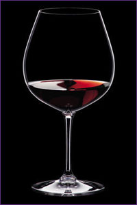typical red wine glass shape
